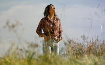 """""""Κράτα με ξανά"""": Το νέο τραγούδι από τη Σουσάνα Τρυφιάτη"""