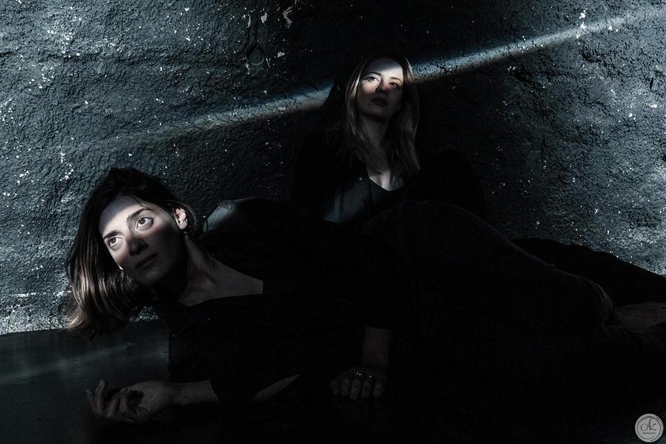 Η Αντιγόνη σε σκηνοθεσία Θέμη Μουμουλίδη στο Θέατρο Βράχων