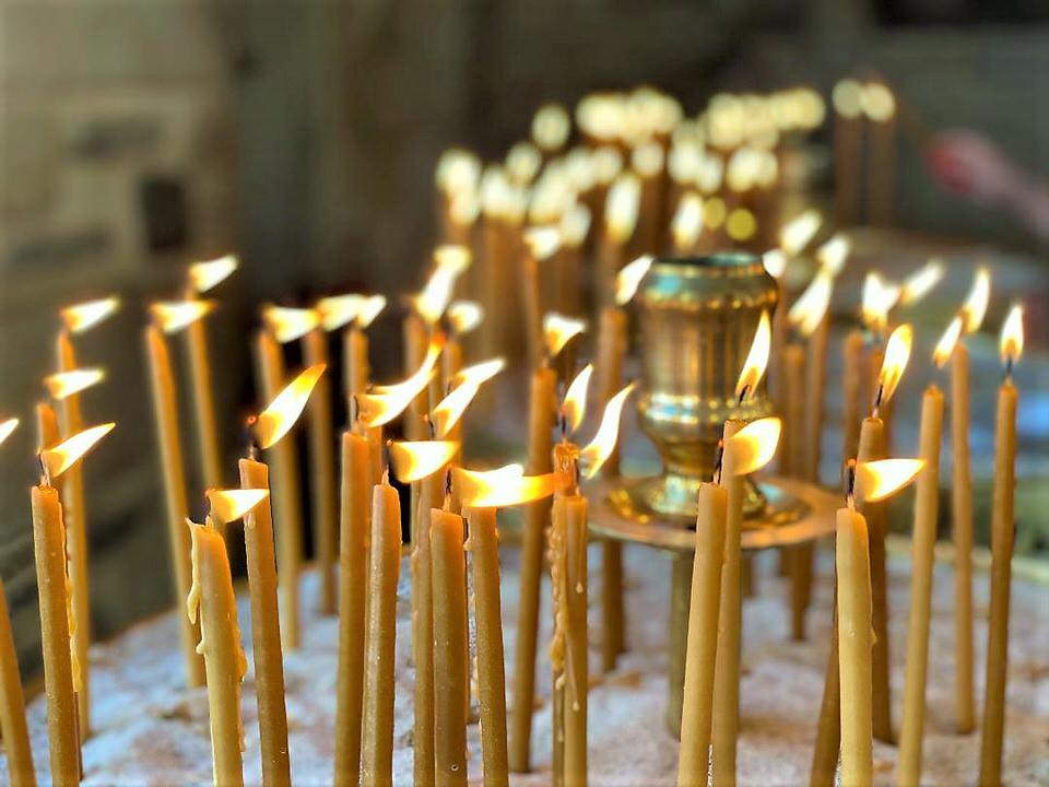 Παναγία Εκατονταπυλιανή: Η παράδοση που διασώζεται μέχρι σήμερα για την ονομασία της