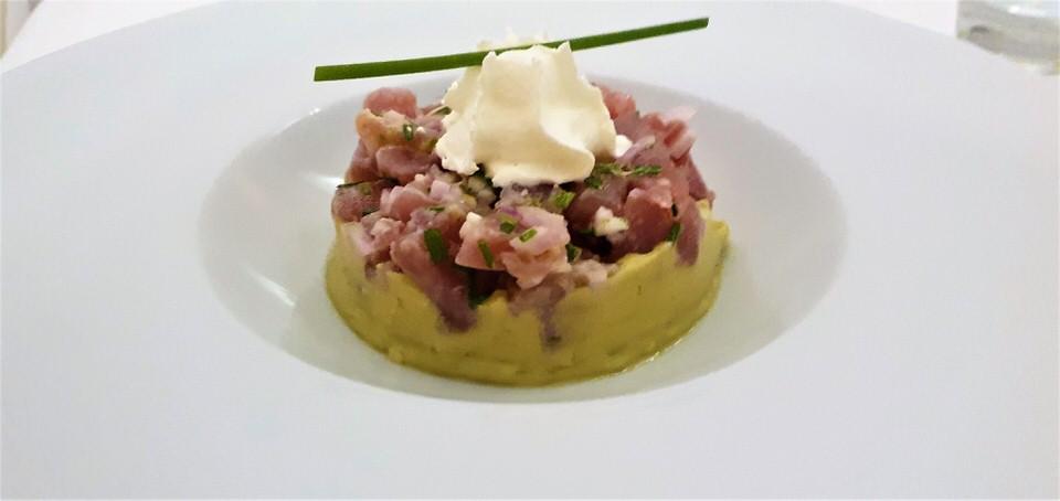 Henri G: Γαλλική φινέτσα στο ωραιότερο εστιατόριο της Πάρου με την υψηλότερη βαθμολογία