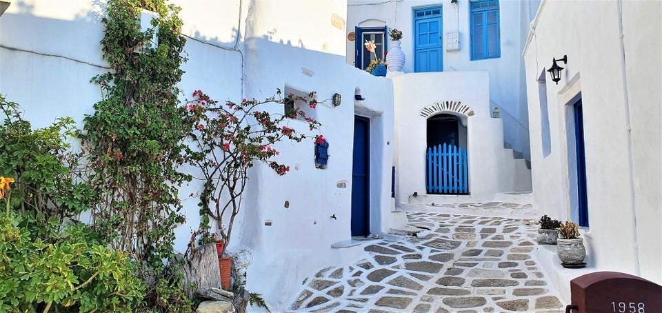 Λεύκες: Το travelgirl.gr σου παρουσιάζει το ορεινότερο χωριό της Πάρου