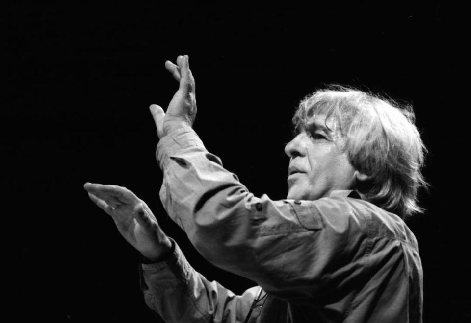Μεγάλη συναυλία του Χρήστου Λεοντή στο Θέατρο Βράχων στις 16 Ιουνίου