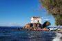 Το εκκλησάκι της Παναγίας της Γοργόνας της Λέσβου έγινε γνωστό από το μυθιστόρημα του Μυριβήλη