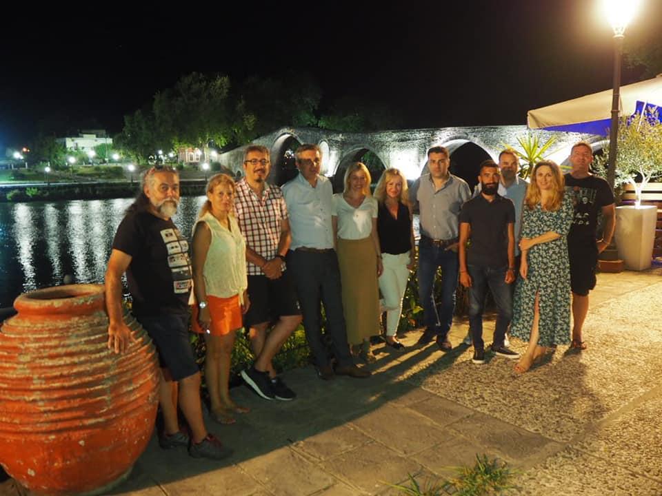 Η δημοσιογραφική αποστολή στο αποχαιρετιστήριο δείπνο στην Άρτα