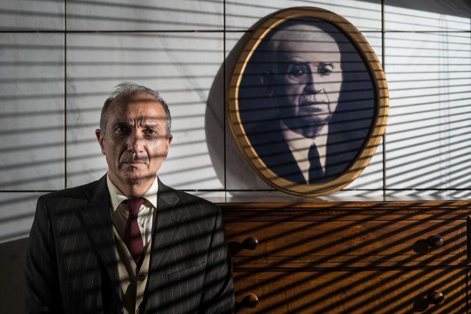 Φύλακας μίας Επανάστασης: Με τον Γιάννη Νταλιάνη σε σκηνοθεσία Μάνου Καρατζογιάννη