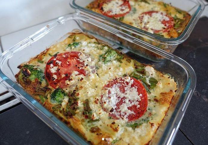 Συνταγή για ομελέτα φούρνου με μορφή πίτσας!