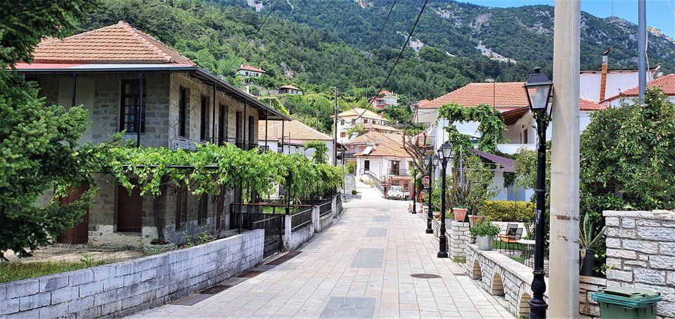 Ροδαυγή: Ταξίδι στο γραφικό χωριό της Άρτας με θέα τα Τζουμέρκα, τα Άγραφα και τα Ακαρνανικά όρη