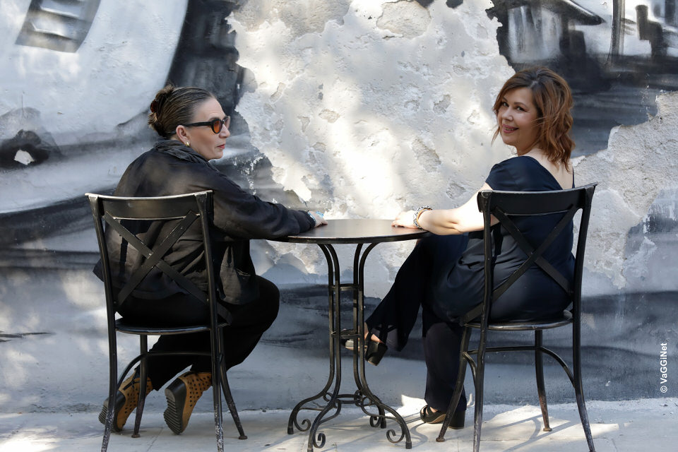 Λίνα Νικολακοπούλου - Δάφνη Αλεξανδρή: Σε ρώταγα στο Φάληρο