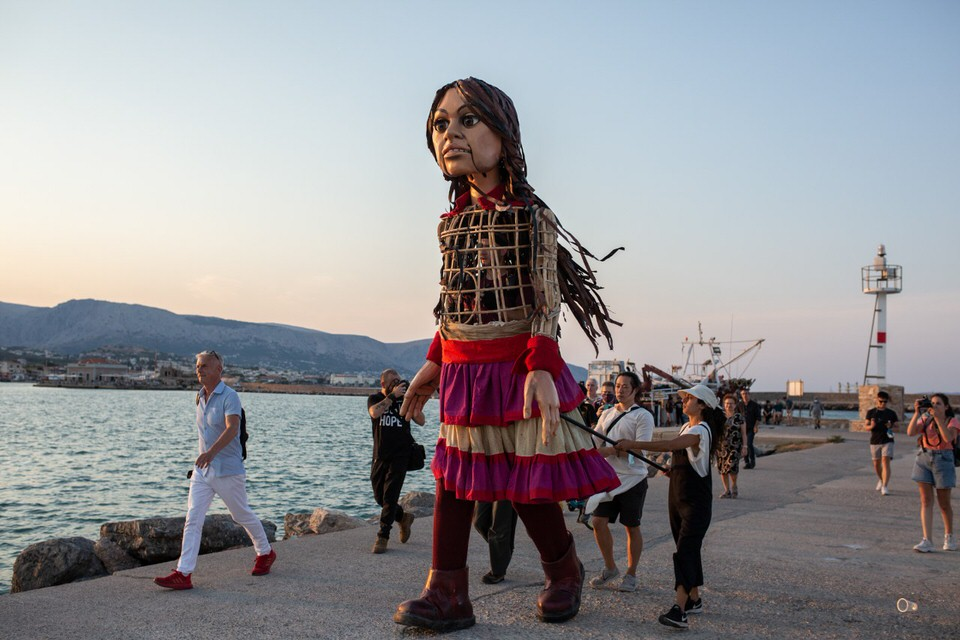 H Μικρή Αμάλ αποχαιρετά την Ελλάδα από το Δημοτικό Θέατρο Πειραιά!