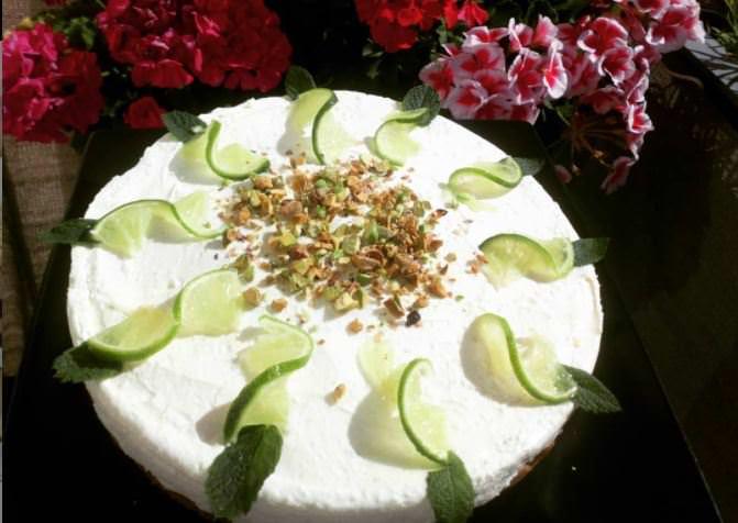 Δροσερή συνταγή για κέικ με λάιμ