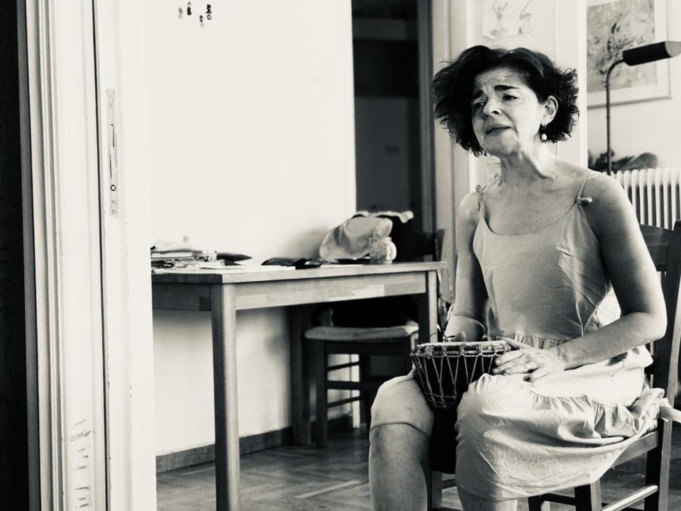 """""""Ο Πατέρας μου η Αθήνα"""" της Μάνιας Παπαδημητρίου για δύο παραστάσεις"""