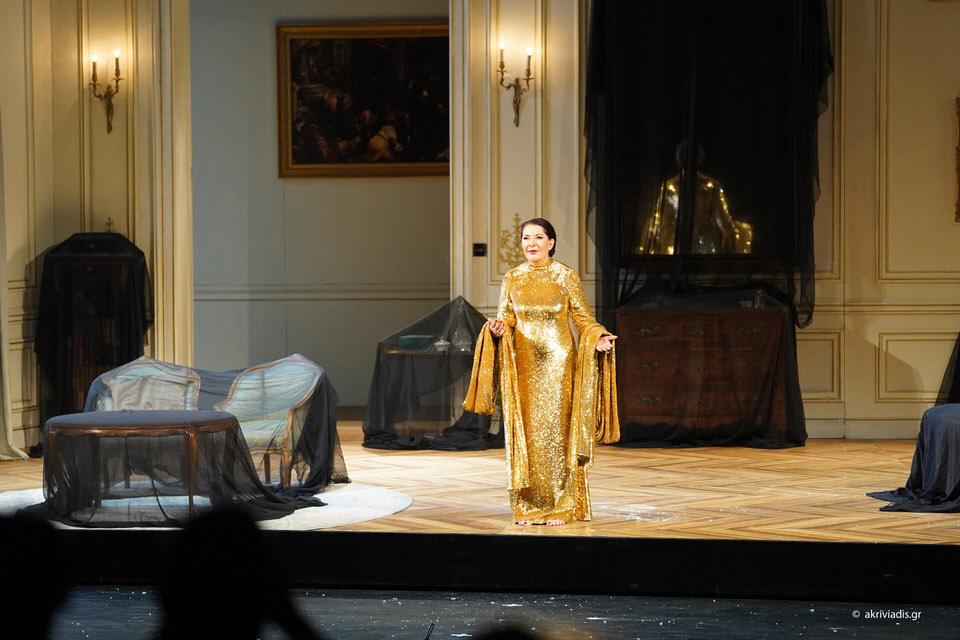 """Θερμό χειροκρότημα για τη Μαρίνα Αμπράμοβιτς στην πρεμιέρα των """"7 θανάτων της Μαρίας Κάλλας"""""""