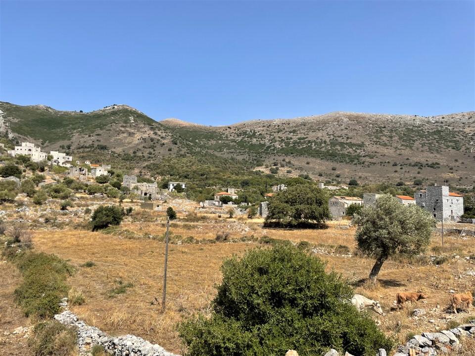 Πύρριχος: Οδοιπορικό στην αρχαία πόλη της Μάνης