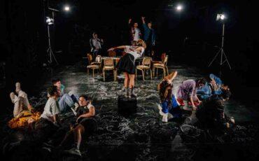 Ο εχθρός της τάξης: Στην εφηβική σκηνή του Εθνικού Θεάτρου στις 22 Οκτωβρίου