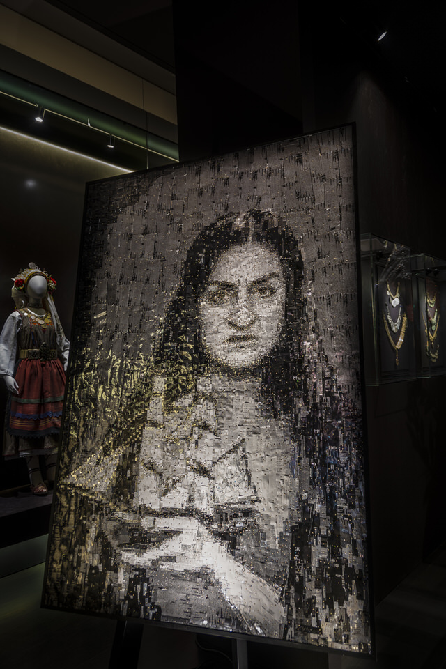 """Ο διεθνούς φήμης γλύπτης Νίκος Φλώρος μιλάει στο travelgirl.gr για τη νέα του έκθεση """"Ήρωες από μέταλλο"""""""