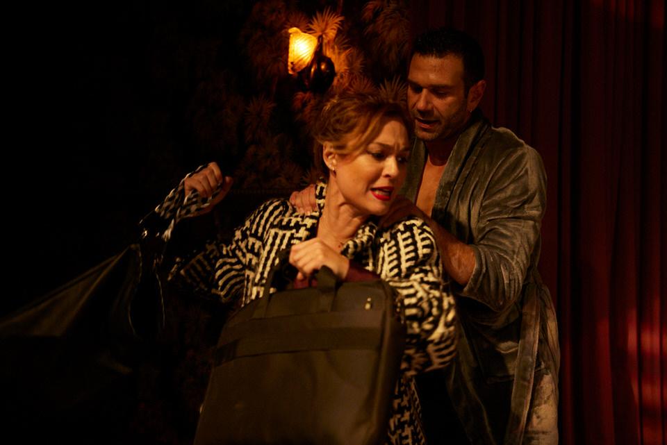 """""""Θέλω να σου κρατάω το χέρι """"του Τάσου Ιορδανίδη από 29 Οκτωβρίου στο θέατρο Άλφα - Ληναίος-Φωτίου"""